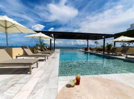 Singular Joy Vacation Rentals, hotel near Kool Beach Club, Playa del Carmen