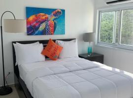 Flamboyan on the Bay Resort & Villas, hotel in Canaan