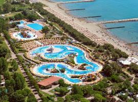 Adria Holiday presso Centro Vacanze Pra' delle Torri, hotel poblíž významného místa Golfový klub  Prà  delle Torri, Caorle