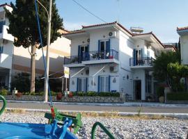 Oceanis Hotel, отель в городе Тирос