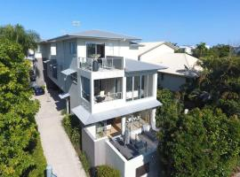 Fabulous 3 Bedroom Noosa Townhouse, hotel in Noosaville