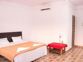 The Whispering Lake Resort, spa hotel in Mandrem