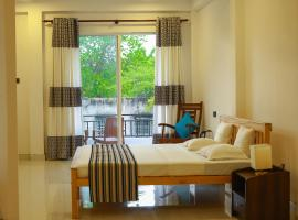 Hotel Sapid Luck, Hotel in Tissamaharama