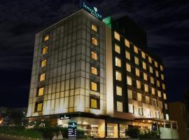 Lemon Tree Hotel Viman Nagar Pune, hotel in Pune