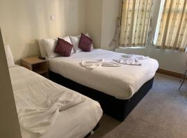St Joseph Hotel, hotel in Earls Court, London