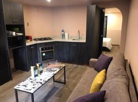 Luxury Suite en Miraflores, ubicada a 1 cuadra de Larcomar!, apartment in Lima