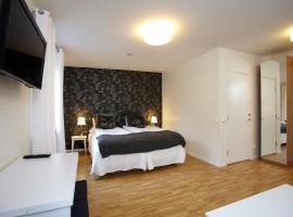 Riverside Hotel & Apartments, hotell i Ängelholm