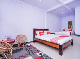 OYO 1834 Family Homestay Syariah, hotel near Mount Bromo, Probolinggo