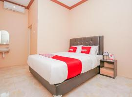 OYO 1349 Amira Homestay Syariah, hotel in Sidoarjo