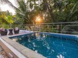 The G Coast Villa by Vista Rooms, hotel with pools in Alibaug