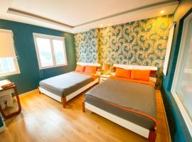 Spring Hotel, hotel near Tan Son Nhat International Airport - SGN, Ho Chi Minh City