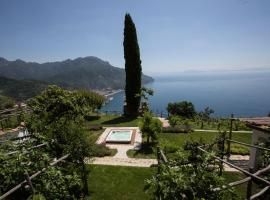 Eleanor' s Garden, hotel with jacuzzis in Ravello
