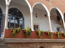 Azur Suites Hotel & Apartments