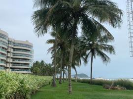 01 Quadra da Praia, hotel em Riviera de São Lourenço