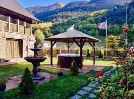Gran Chalet Hotel & Petit Spa, hotel in Vielha
