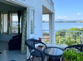 Cozy Lake-view Apartment at Rankala, family hotel in Kolhapur
