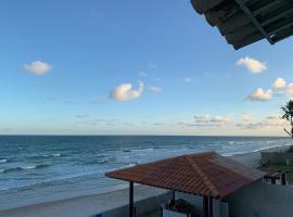 Condomínio Beira-Mar, holiday home in Barra de São Miguel