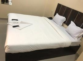 Hazel Gardenz, hotel in Ernakulam