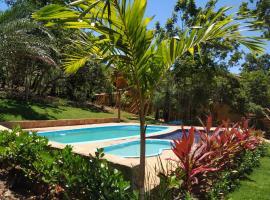 Vila Hen Praia do Forte, hotel with pools in Praia do Forte