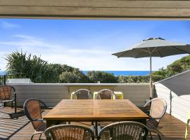 Sunshine Beach Serenity and Pet Friendly ! 9 Seaview Terrace, Sunshine Beach, QLD 4567, hotel in Sunshine Beach
