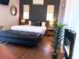 Couples Private Spa Retreat, hotel near Phillip Island Wildlife Park, Cowes