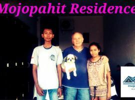 Mojopahit residence, holiday home in Jember