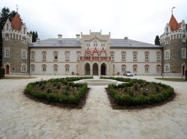 Chateau Herálec Boutique Hotel & Spa by L'Occitane, hotel in Herálec