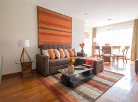 Simply Comfort - Bright and Spacious Apartment in the Heart of Miraflores, apartment in Lima