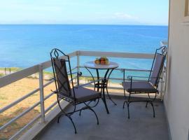 ARTEMISIA beach apartment., apartment in Artemida