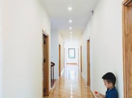 AKU HOUSE Villa Ao vua, family hotel in Ba Vì