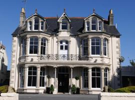 Merchant House, guest house in Truro