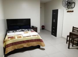Maxy's Inn Hotel & Suite, hotel in Lima