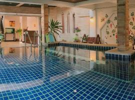 Ice Kamala Beach Hotel, отель в Камала-Бич
