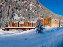 CampZero Active & Luxury Resort, hotel near Dufour Peak, Champoluc
