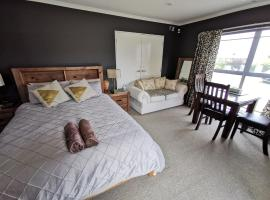 Lakeview Holiday Hideaway, hotel in Taupo
