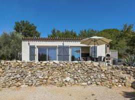 Modern Holiday Home with Private Pool in Brignoles, hotel in Brignoles