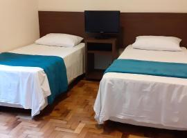 Studio c/ áreas de convivência no Centro Histórico, pet-friendly hotel in Porto Alegre
