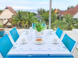 Sea view villa, beach hotel in Batu Ferringhi