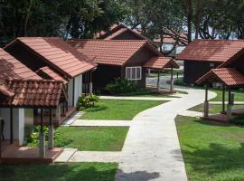 Adena Beach Resort, hotel in Kuantan