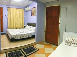 Merdeka Guest House, homestay in Kuching