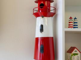 Home by Beach 1 - The Lighthouse, holiday home in Naples