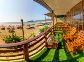 Sea Front Beach Huts, luxury tent in Patnem