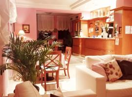 Hotel Azzurra, hotell i Salsomaggiore Terme