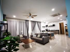 Batu Ferringhi Gold Pearl Luxury Homestay, beach hotel in Batu Ferringhi