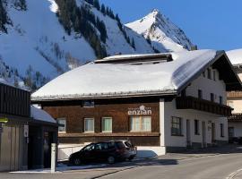 Hotel Garni Enzian, Pension in Damüls