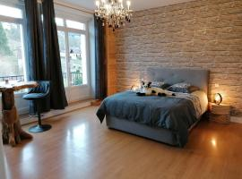 Chez MARLYSE, hotel in Saint-Maurice-sur-Moselle