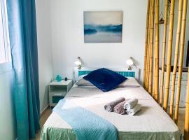 Hibiscus Studio, pet-friendly hotel in Corralejo