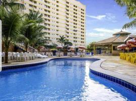 Golden Dolphin Grand Hotel Flat Caldas Novas, hotel near Liberty Square, Caldas Novas