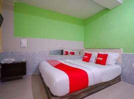 OYO 1495 Hotel Lendosis, hotel in Palembang