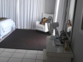 Casa Do Mar Guest House, guest house in Praia do Tofo